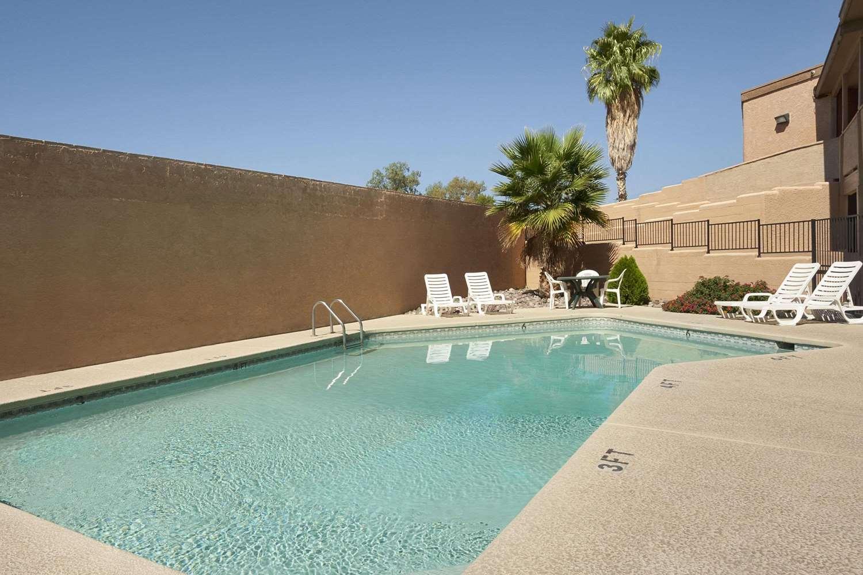 Pool - Days Inn Tucson