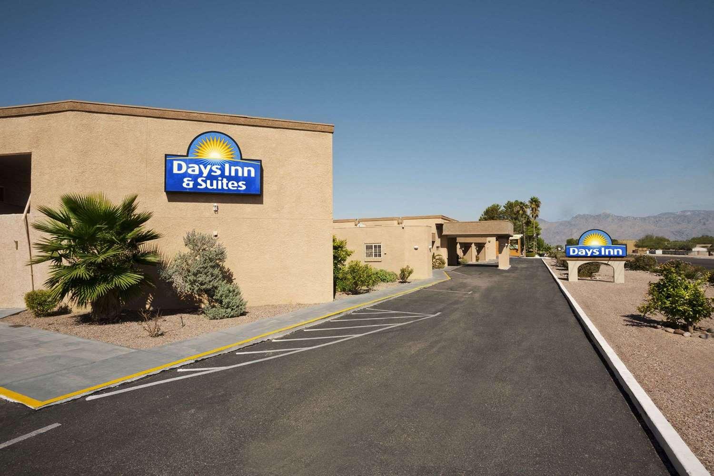 Exterior view - Days Inn Tucson