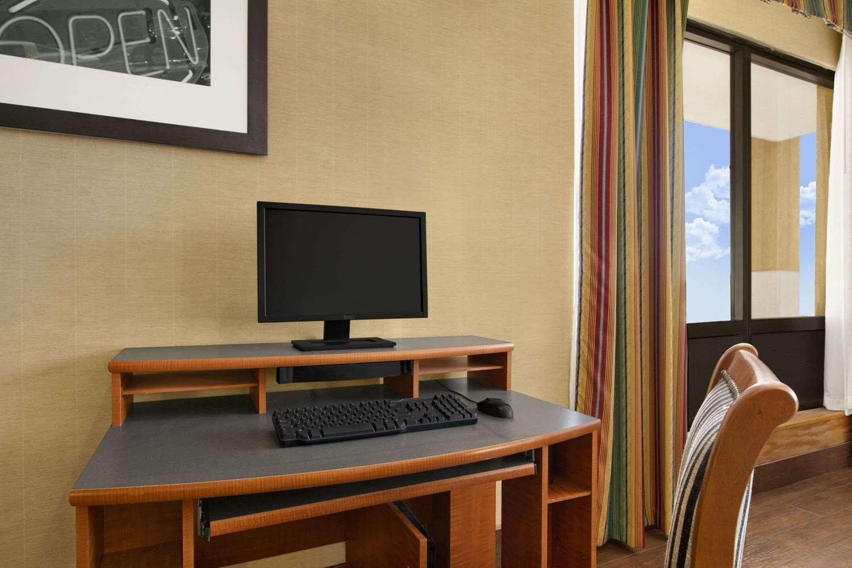 Conference Area - Super 8 Hotel Oxford