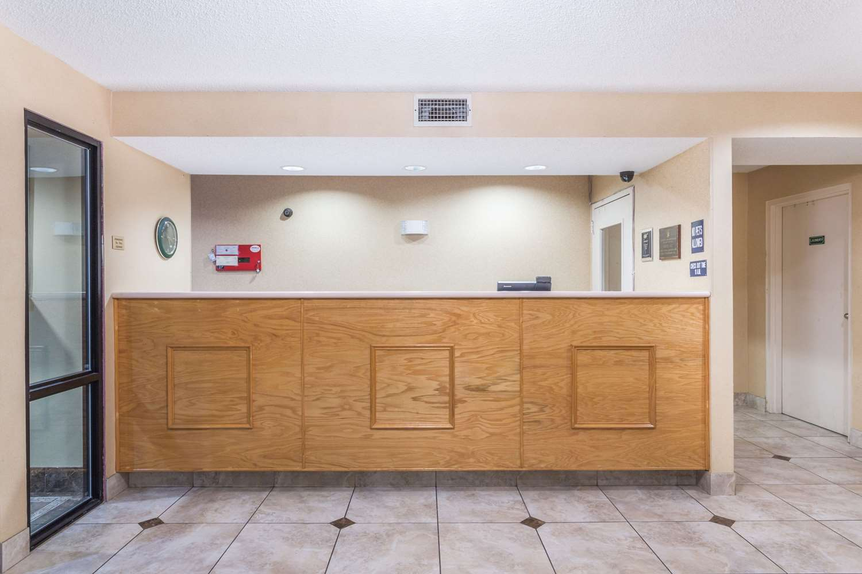 Lobby - Super 8 Hotel Slidell
