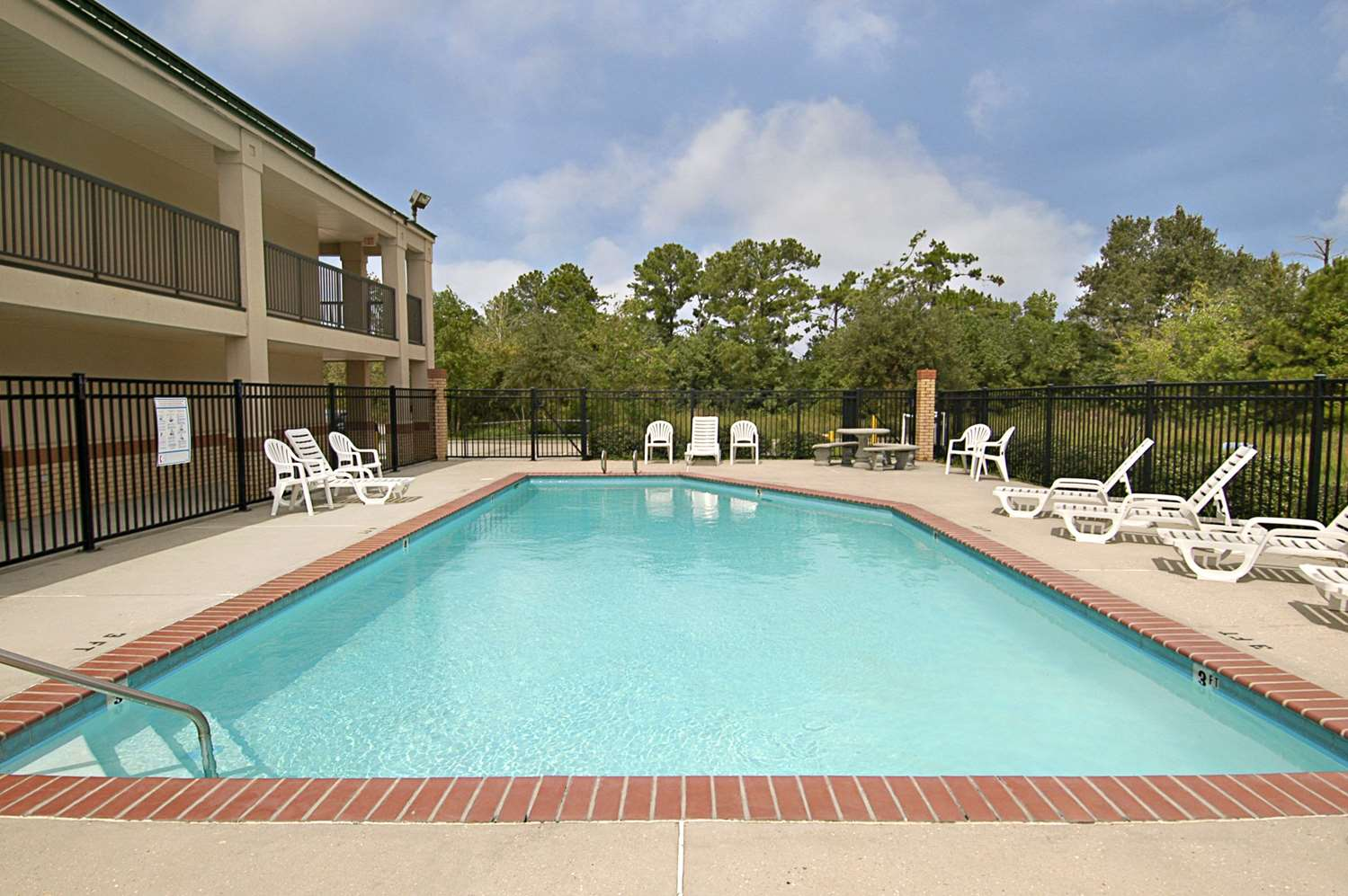 Pool - Super 8 Hotel Slidell