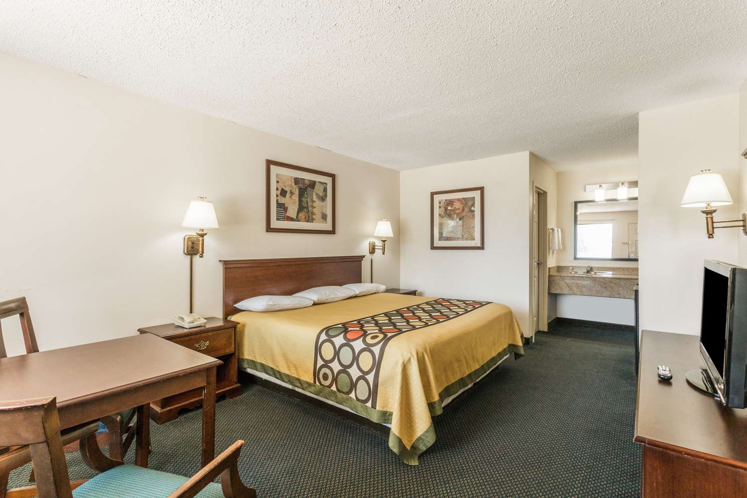 Room - Super 8 Hotel Slidell