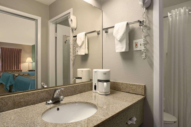 Amenities - Super 8 Hotel Kingsport
