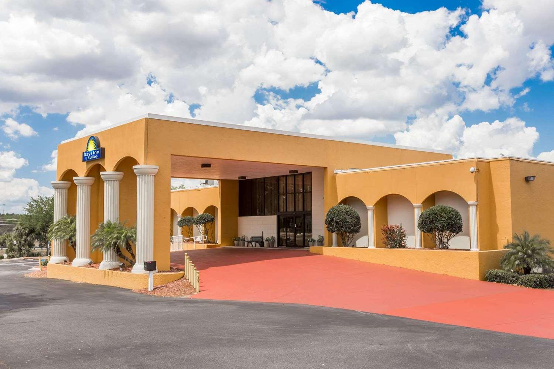 Exterior view - Days Inn & Suites Clermont