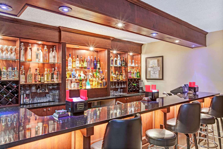 Bar - Ramada Inn Rockaway