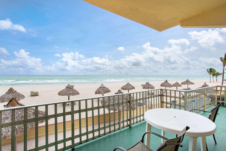 Amenities - Days Hotel Thunderbird Beach Resort Sunny Isles