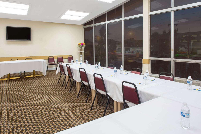 Meeting Facilities - Days Hotel Thunderbird Beach Resort Sunny Isles