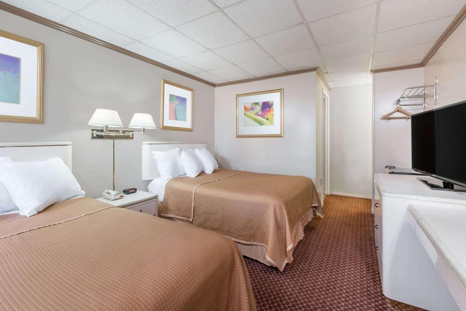 Room - Travelodge Hershey