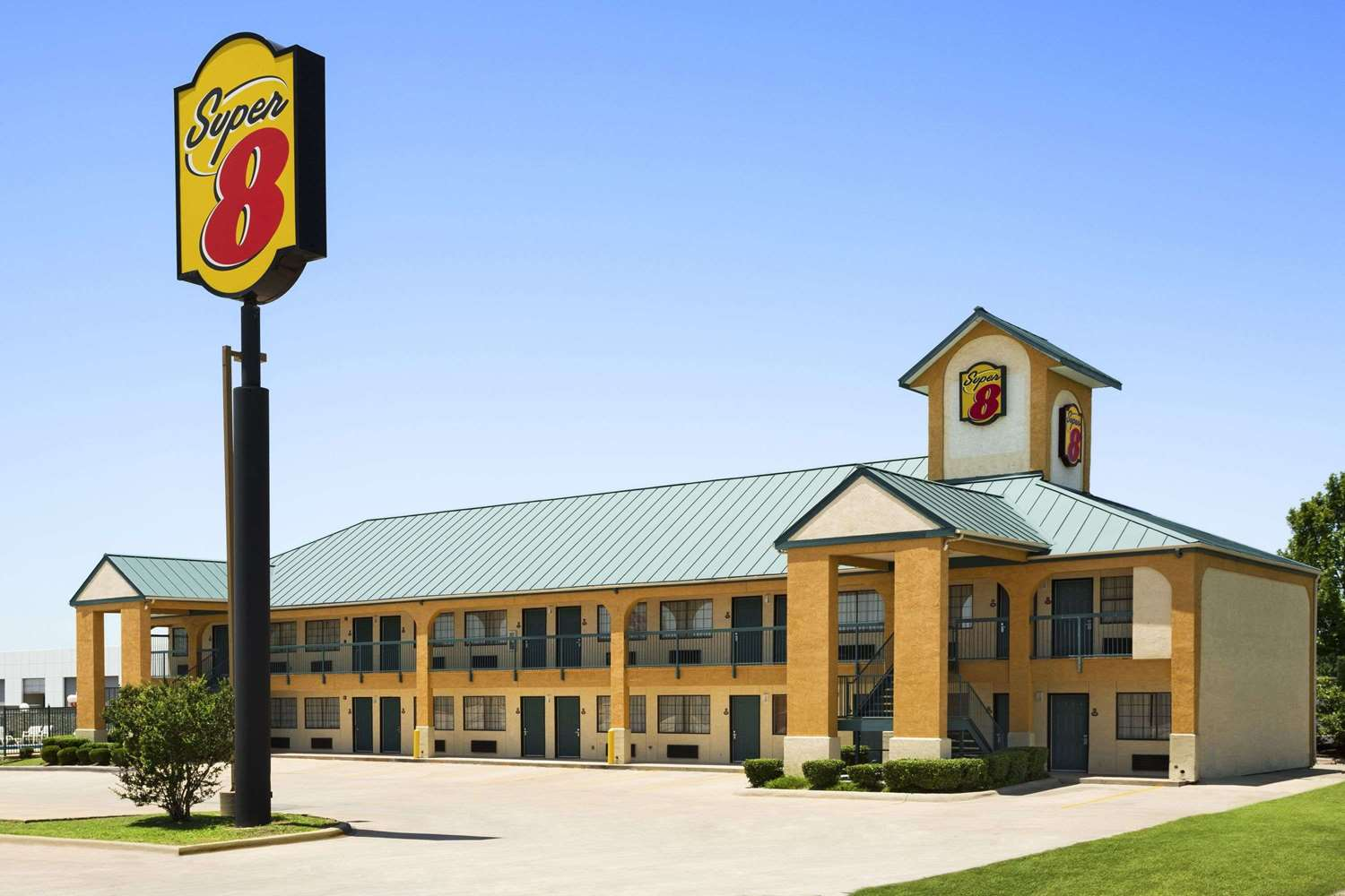 Exterior view - Super 8 Hotel Southwest Grand Prairie