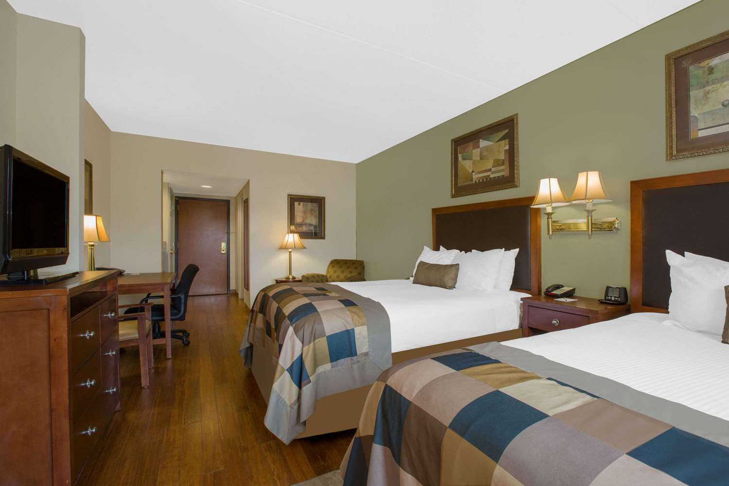 Room - Wingate by Wyndham Hotel Tuscaloosa