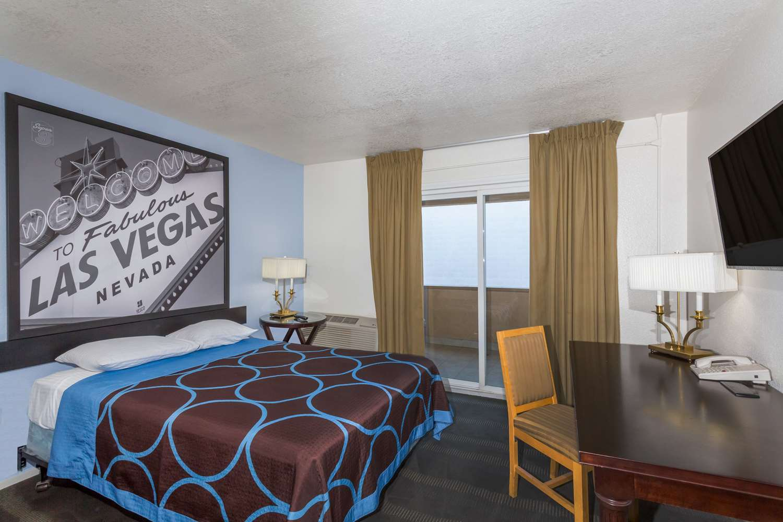 Room - Super 8 Hotel South Las Vegas