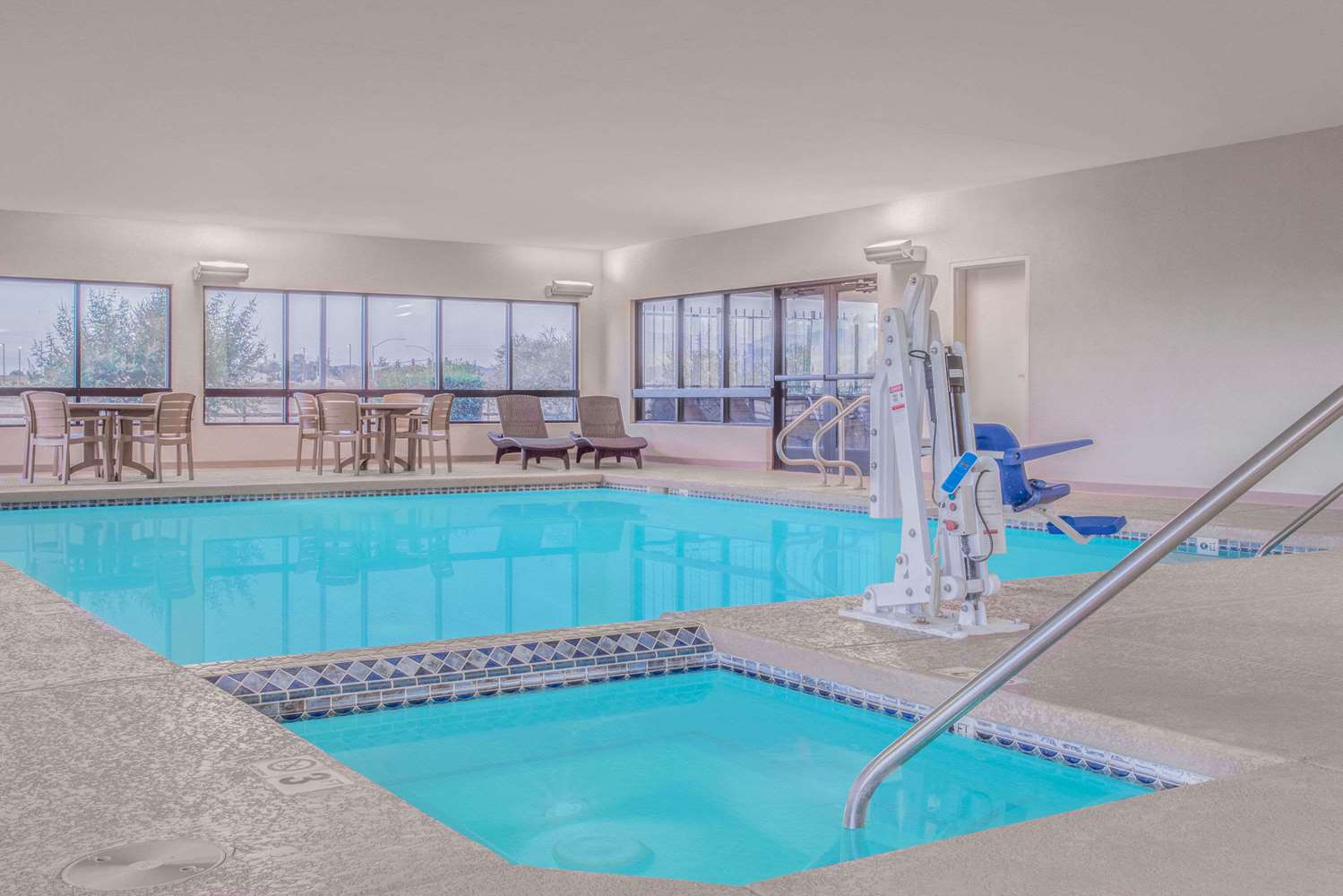 Pool - Days Inn Chino Valley