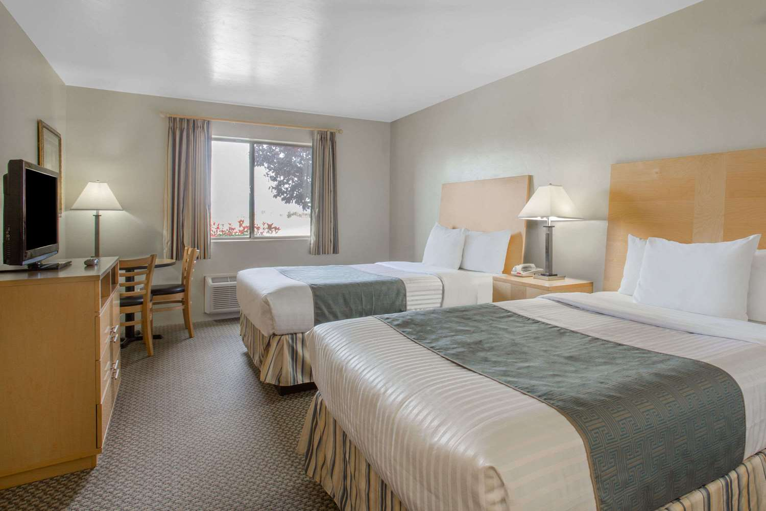 Room - Days Inn Chino Valley
