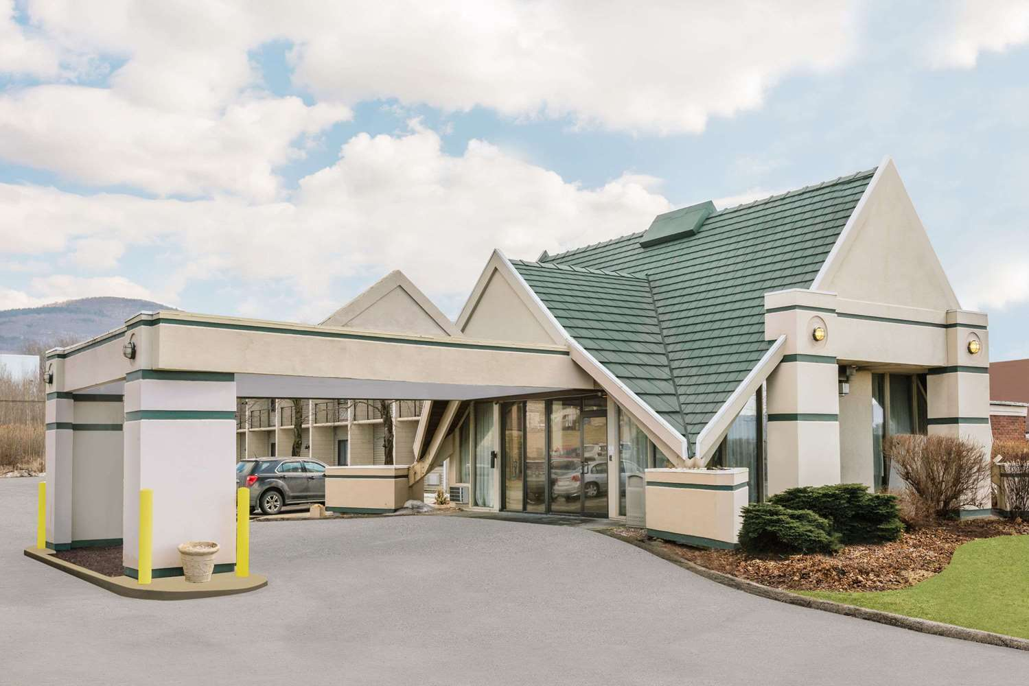 Exterior view - Days Inn Rutland