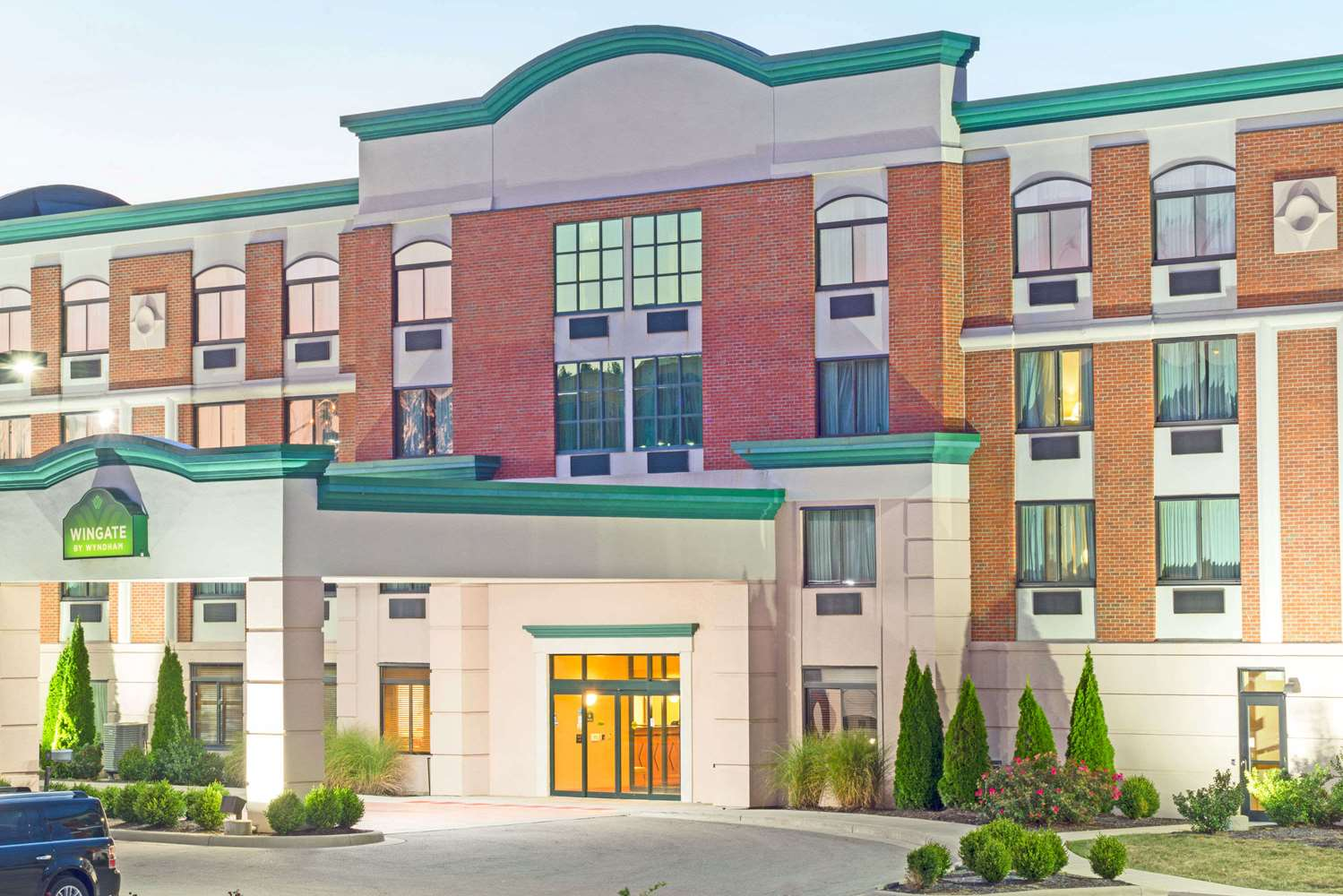 Exterior view - Wingate by Wyndham Hotel Fairborn