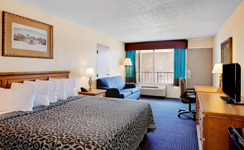 Room - Days Inn Lafayette Airport