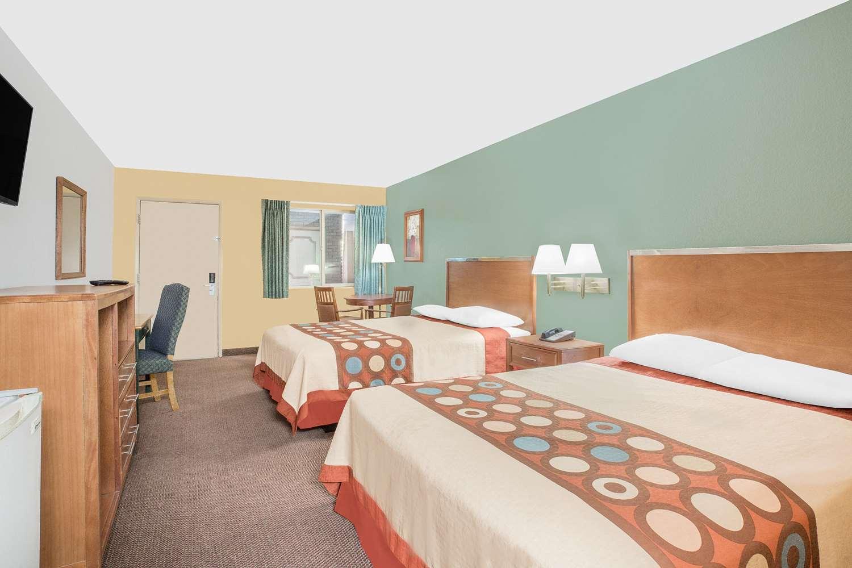 Room - Super 8 Hotel St George