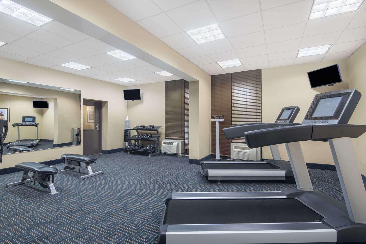 Fitness/ Exercise Room - Wyndham Garden Hotel Texarkana