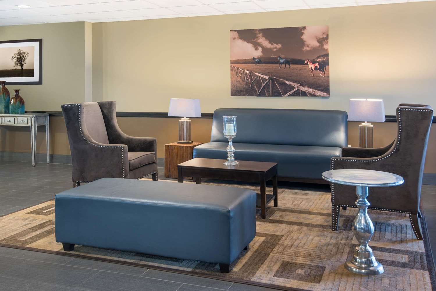 Lobby - Wyndham Garden Hotel Texarkana