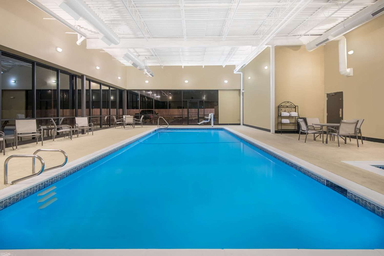 Pool - Wyndham Garden Hotel Texarkana