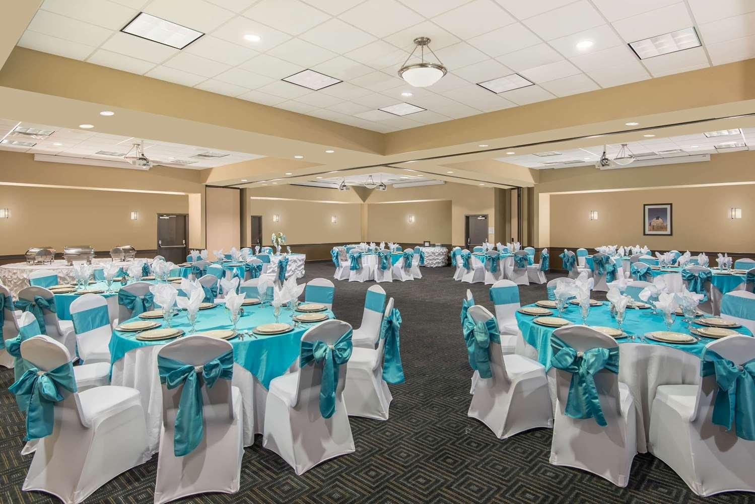Ballroom - Wyndham Garden Hotel Texarkana