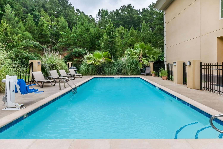 Pool - Baymont Inn & Suites Henderson