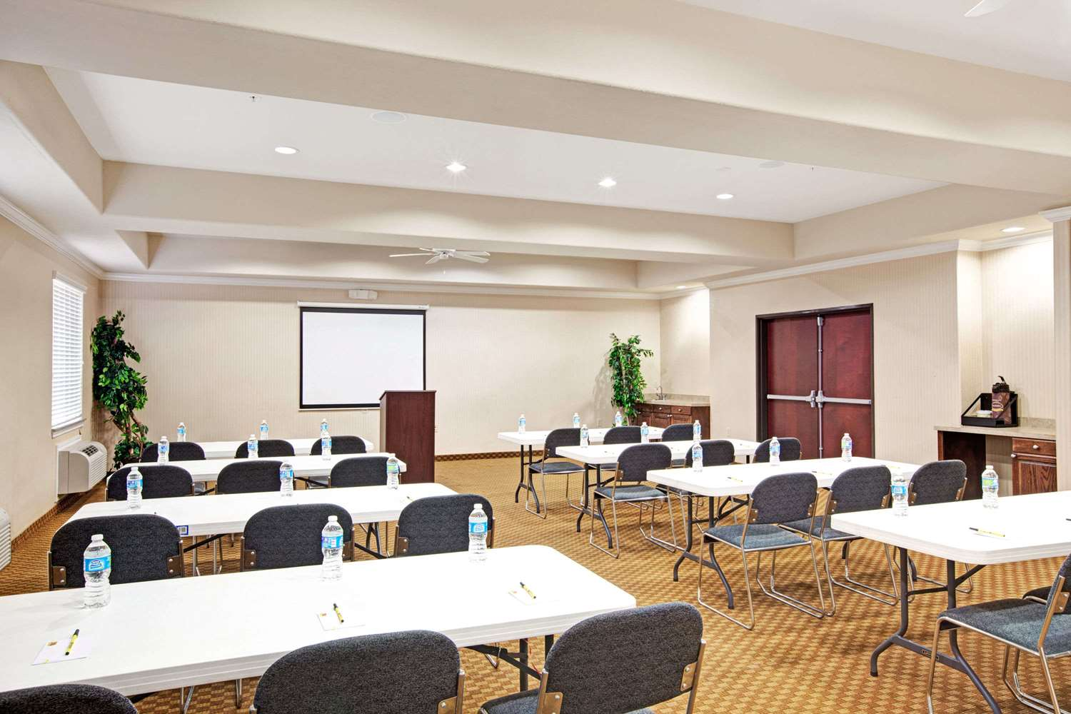 Meeting Facilities - Super 8 Hotel Greenspoint Houston