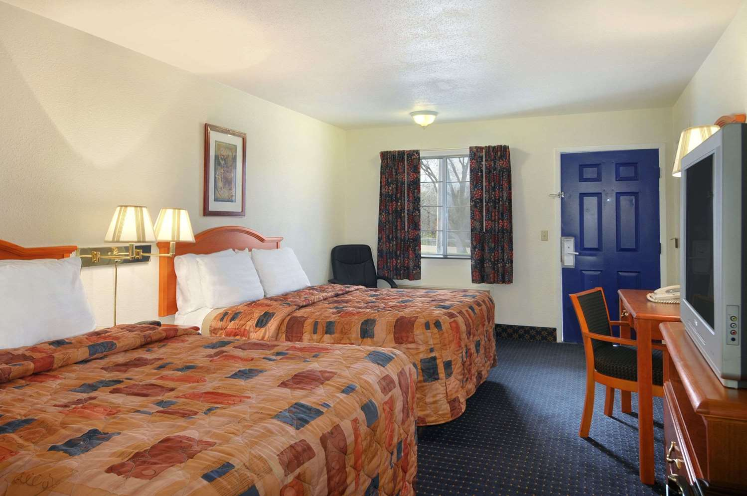 Room - Days Inn Lawrence