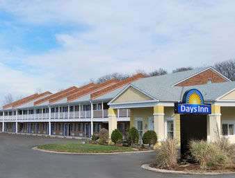 Exterior view - Days Inn Lawrence