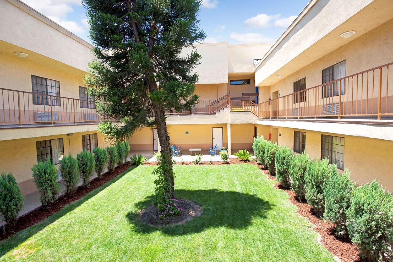 Exterior view - Days Inn & Suites Artesia