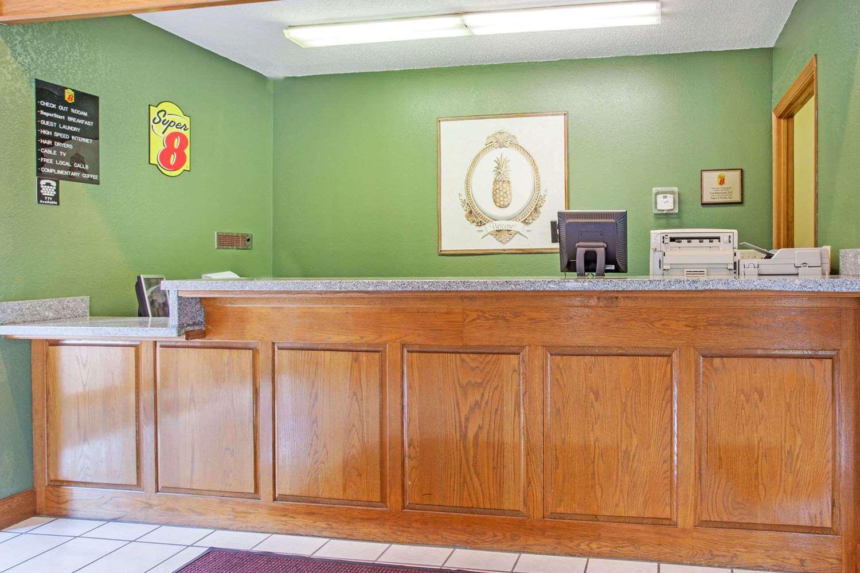 Lobby - Super 8 Hotel Atchison