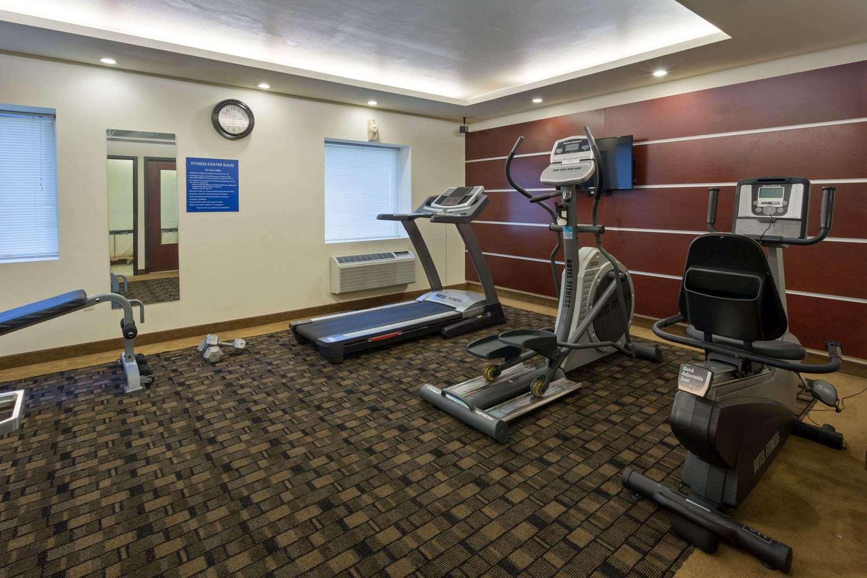 Fitness/ Exercise Room - Days Inn & Suites Milwaukee