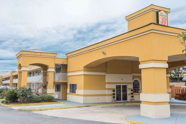 Exterior View Super 8 Hotel Southeast Baton Rouge