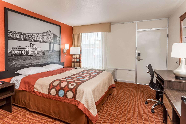 Room - Super 8 Hotel Southeast Baton Rouge