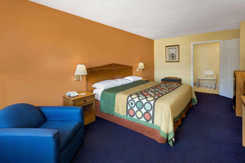 Room - Super 8 Hotel Breaux Bridge