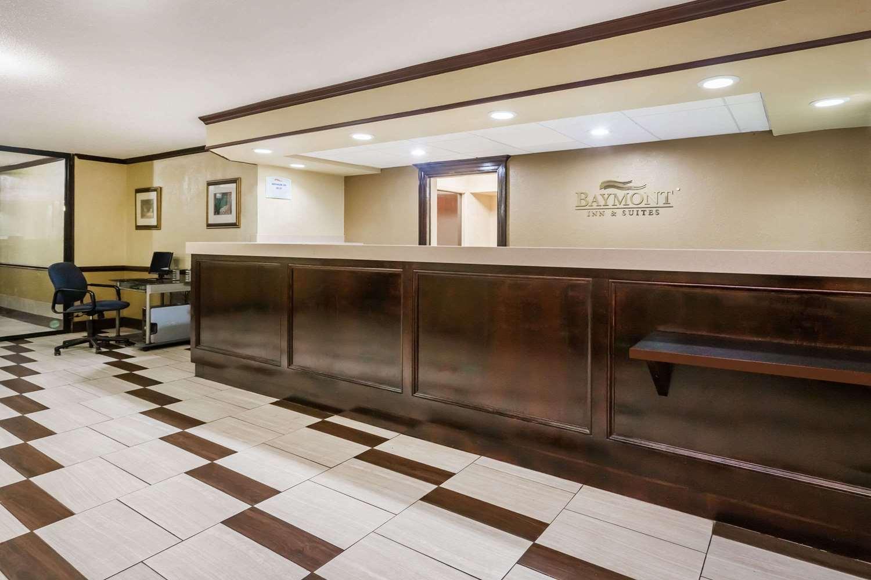 Lobby - Baymont Inn & Suites Pensacola