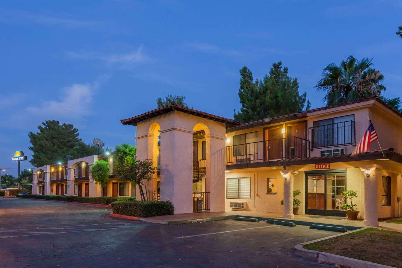 Exterior view - Days Inn San Bernardino Redlands