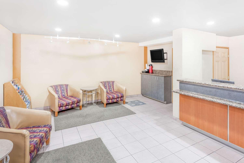 Lobby - Days Inn South Lenwood Barstow