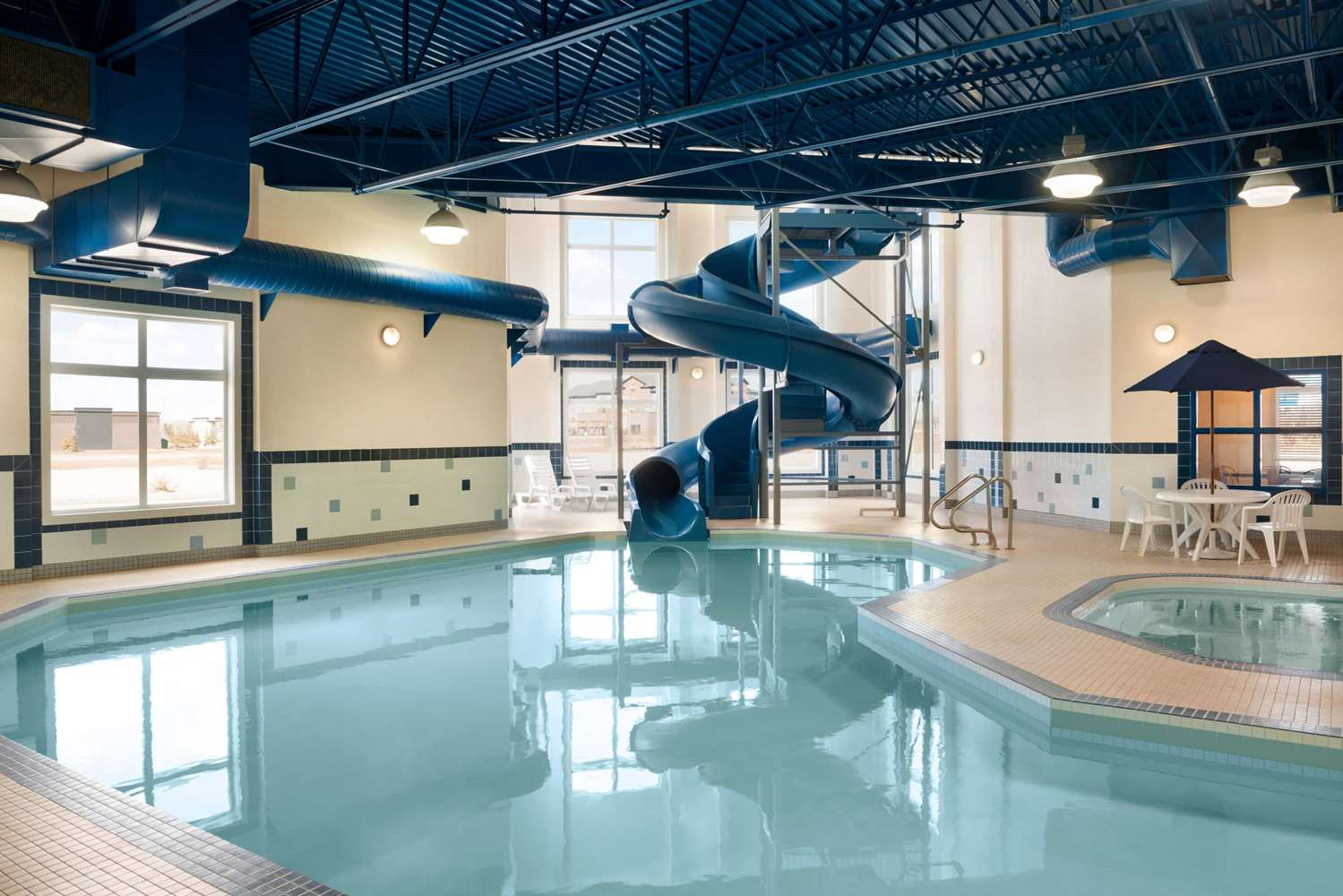 Pool - Ramada Inn Drayton Valley