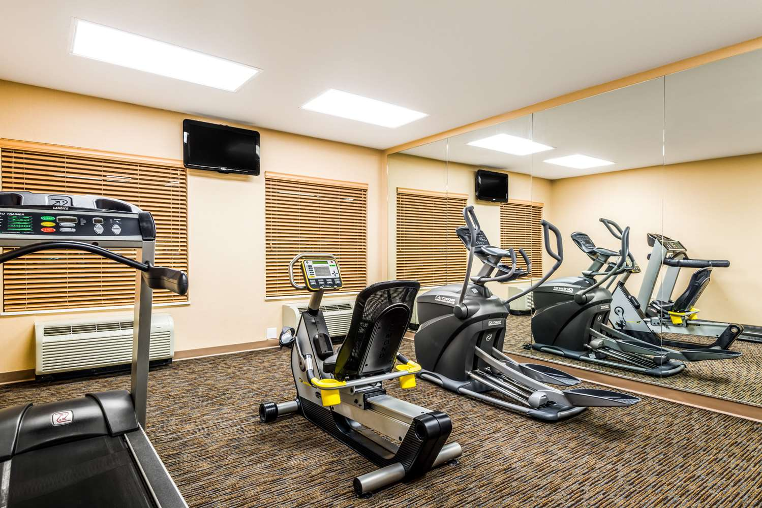 Fitness/ Exercise Room - Baymont Inn & Suites Airport Denver