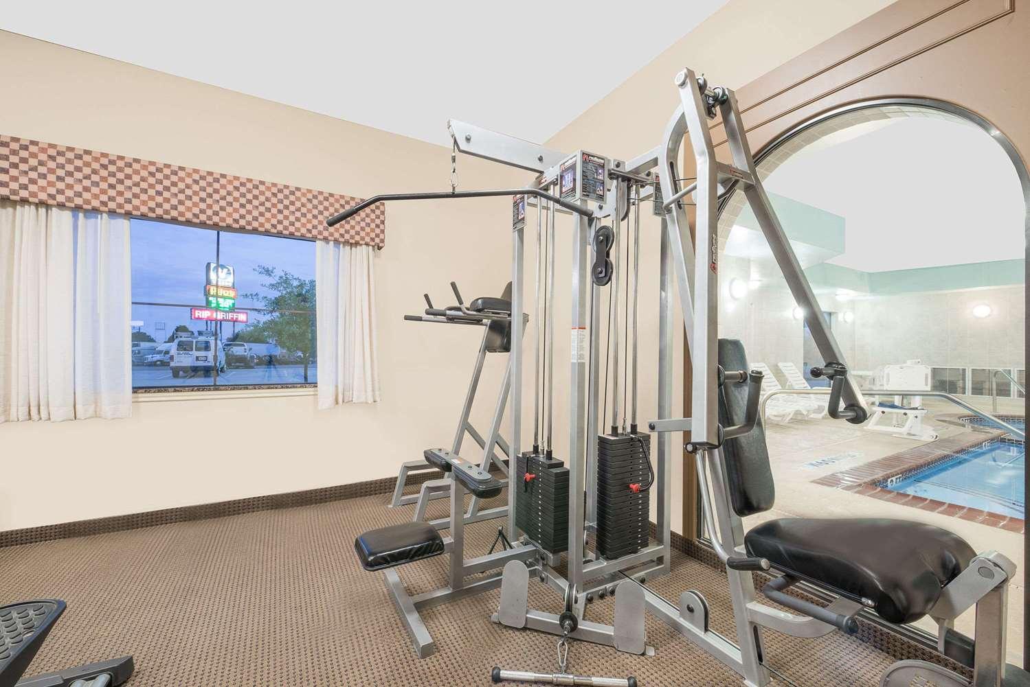 Fitness/ Exercise Room - Baymont Inn & Suites Snyder