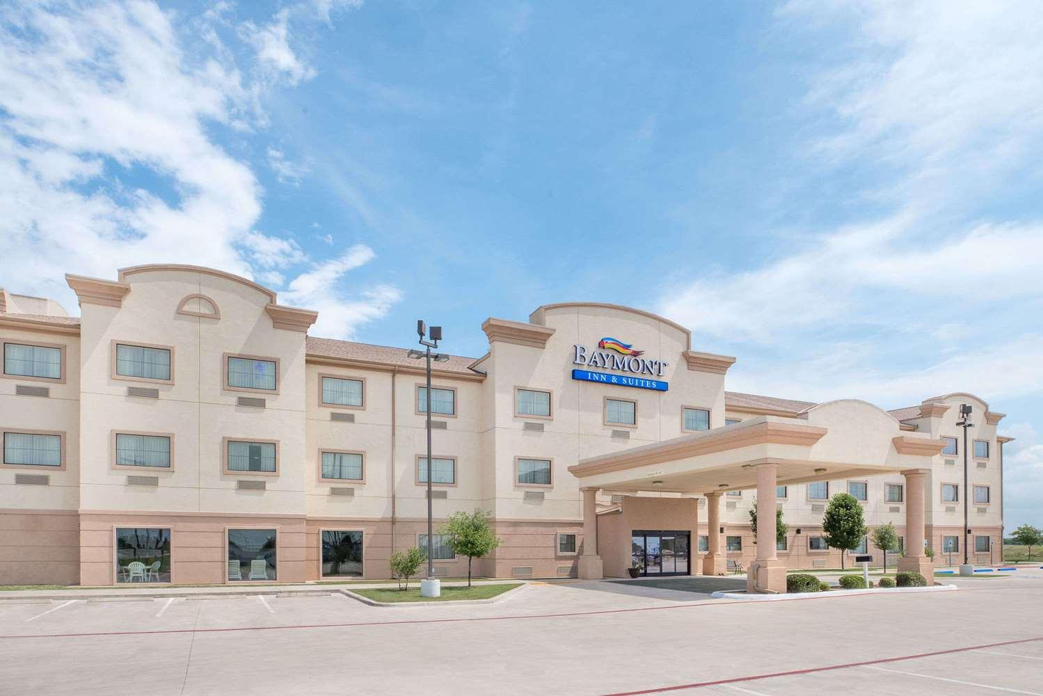 Exterior view - Baymont Inn & Suites Snyder