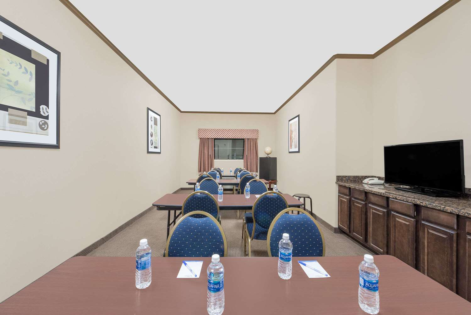 Meeting Facilities - Baymont Inn & Suites Snyder