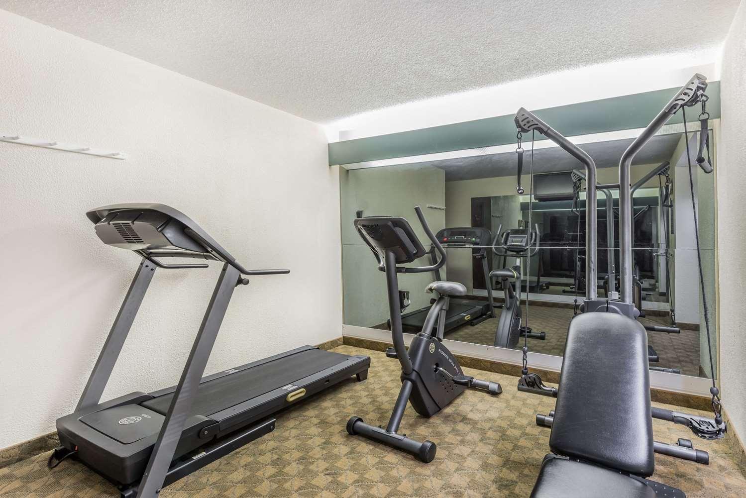 Fitness/ Exercise Room - Days Inn Boardman
