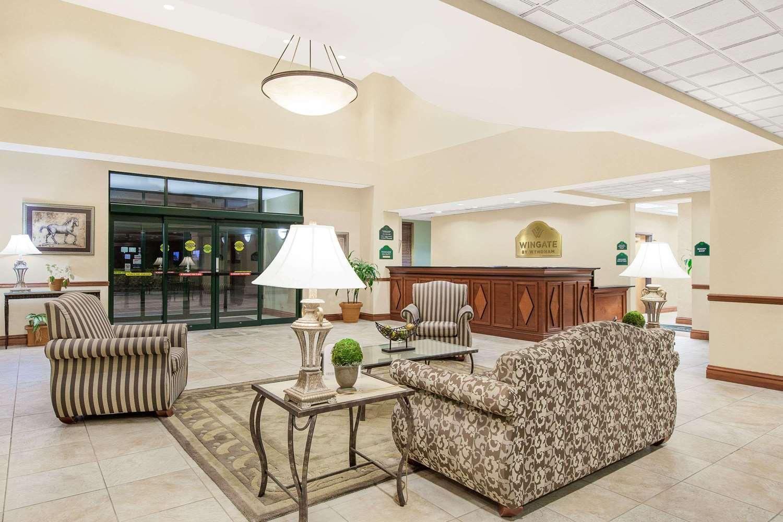 Lobby - Wingate by Wyndham Hotel Lafayette