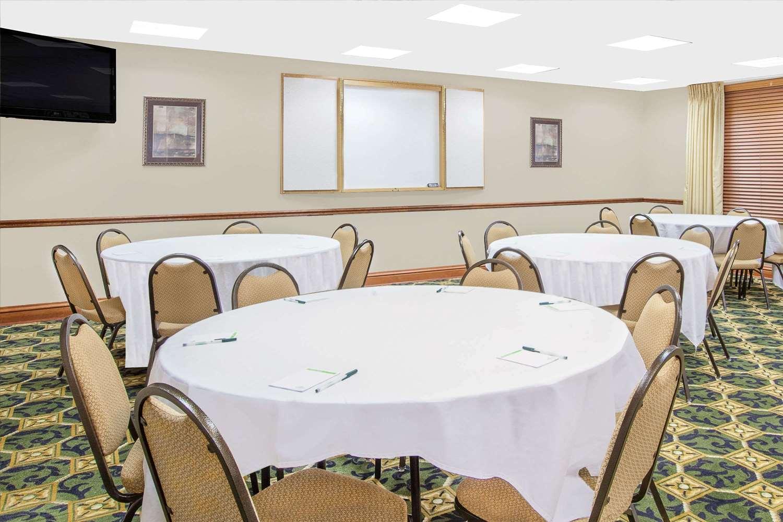 Ballroom - Wingate by Wyndham Hotel Lafayette