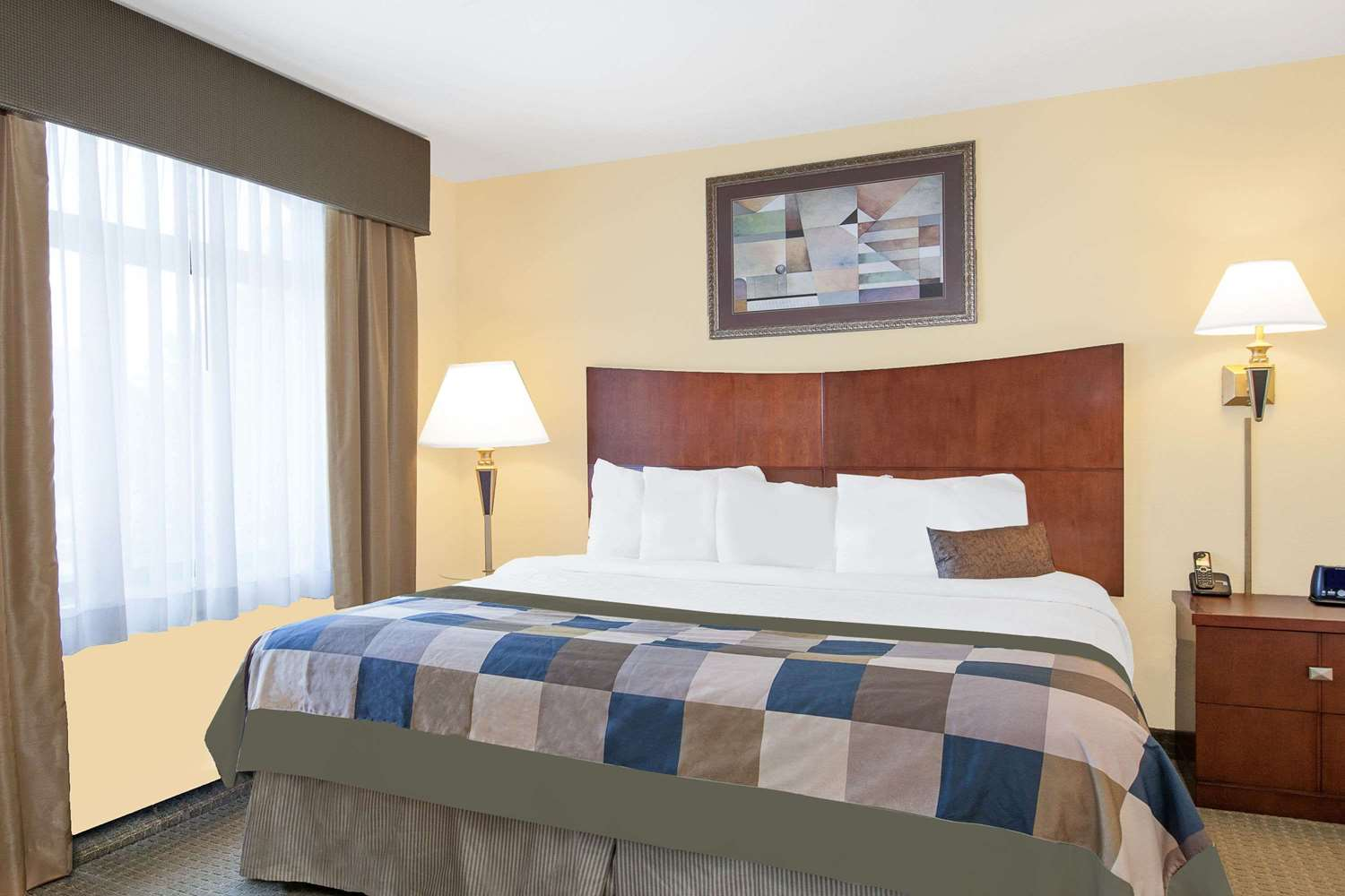 Suite - Wingate by Wyndham Hotel Lafayette