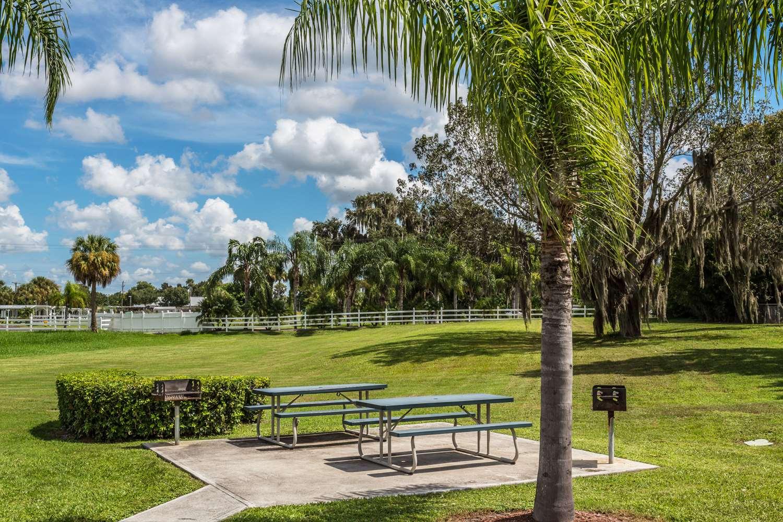 Travelodge Suites Okeechobee, FL - See Discounts