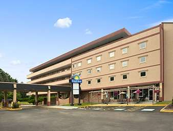 Exterior view - Days Inn Oil City