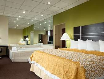 Suite - Days Inn Oil City